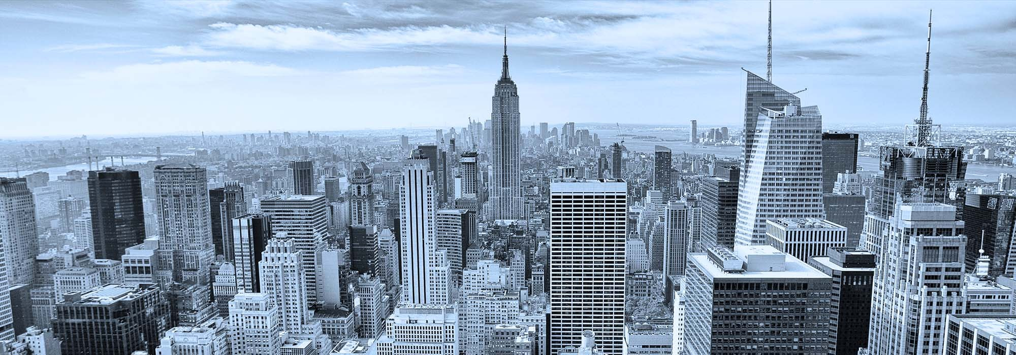 New York skyline centered on the empire state building